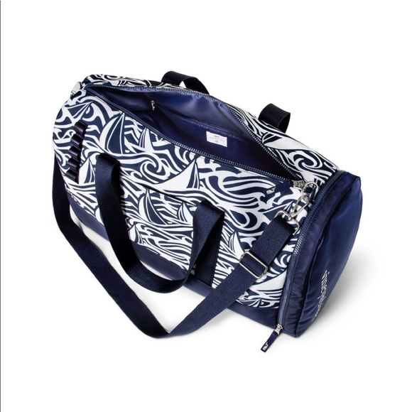 Vineyard Vines Handbags - VV for Target Navy and White Rough Seas Duffel Bag